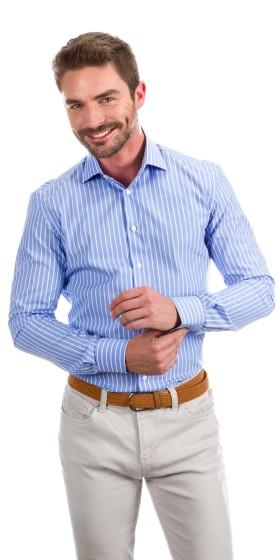 Camisa a medida azul oscuro con líneas blancas